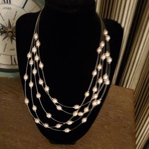 Jewelry - Fresh water pink pearl necklace
